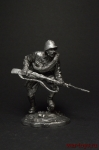 Боец РККА в атаке. 1942 - Не крашенный оловянный солдатик. Высота 54 мм.