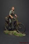 Рядовой на велосипеде - Оловянный солдатик коллекционная роспись 54 мм. Все оловянные солдатики расписываются художником вручную