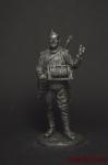 Красноармеец-связист, пехота Красной Армии 1943-45 СССР - Оловянный солдатик. Чернение. Высота солдатика 54 мм